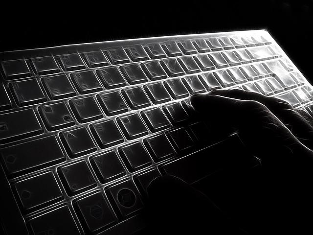 keyboard-65042_640